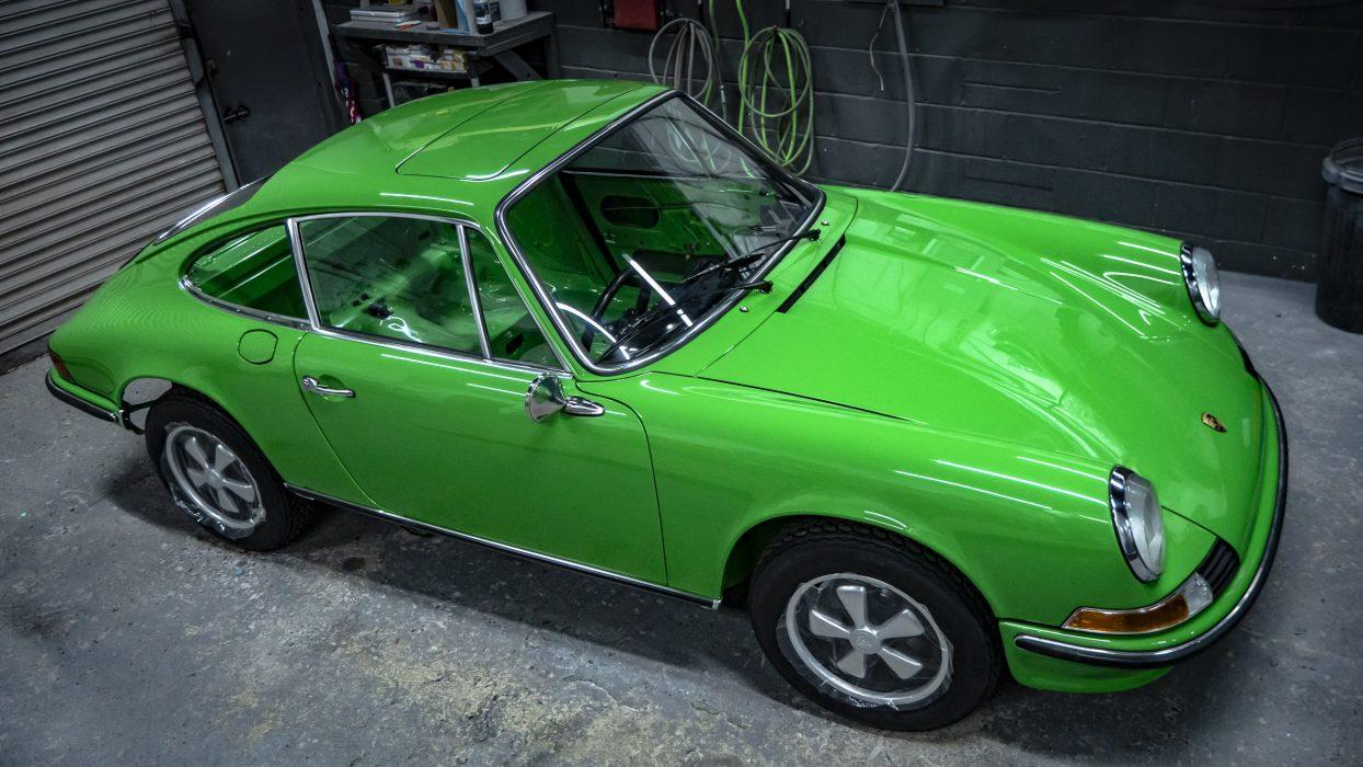 Golding-Barn-GaragePorsche-911s-flat-and-polish-33